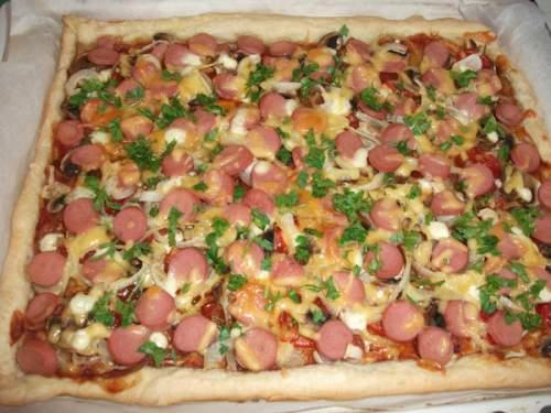 пицца из слоеного теста фото