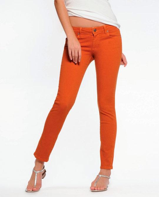 модные женские рваные джинсы фото